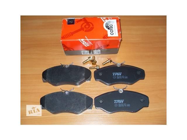 бу Комплект передних тормозных колодок TRW  Германия  на 1.9 / 2.0 / 2.5dci - RENAULT TRAFIC / OPEL VIVARO в Луцке