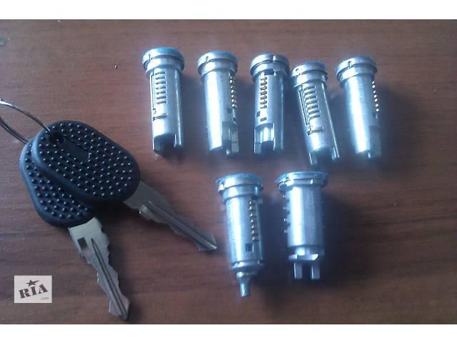 купить бу Комплект сердцевин замков двери для Фиат Дукато / Fiat Ducato в Калуше