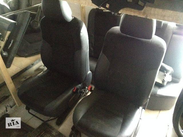 купить бу Компоненты кузова Сиденье Легковой Toyota Avensis Седан 2012 в Ивано-Франковске