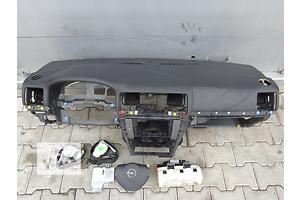 Торпедо/накладка Opel Vectra C