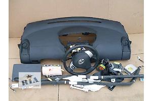 Торпедо/накладка Toyota Yaris
