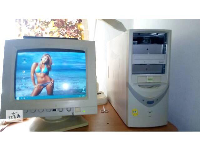 продам компьютер с монитором бу в Киеве