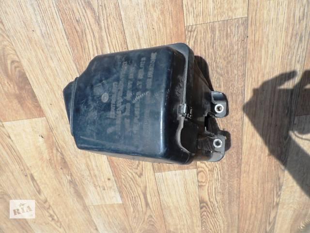 купить бу Корпус блока предохранителей для Фиат Добло Fiat Doblо 1.6 16 v (Метан/Бензин) 2000-2009 в Ровно