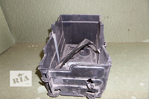 Корпуса под аккумулятор Ford C-Max