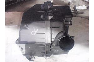 б/у Корпус воздушного фильтра Toyota Rav 4