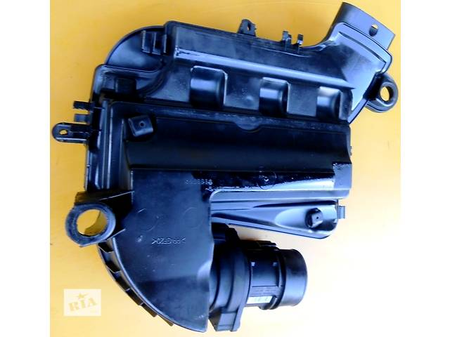продам Корпус воздушного фильтра, повітряного фільтра 1.9 Renault Trafic Рено Трафик Opel Vivaro Опель Виваро Nissan Primastar бу в Ровно