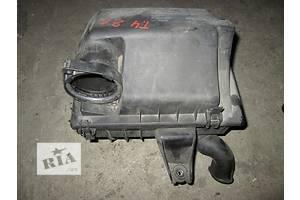 б/у Корпус воздушного фильтра Volkswagen T4 (Transporter)