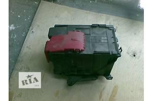Корпуса под аккумулятор Peugeot 308