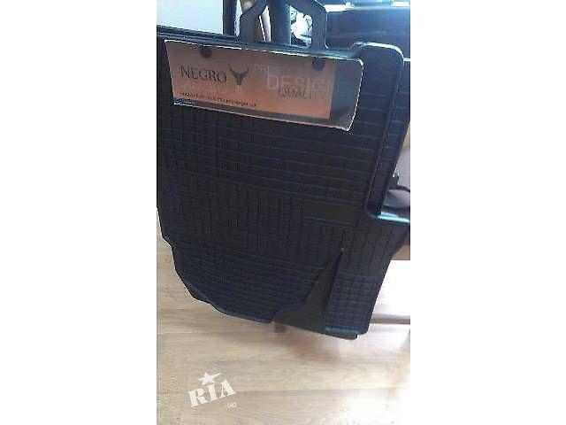продам Коврики резинові  резинові  Volkswagen T5 (Transporter) бу в Черновцах
