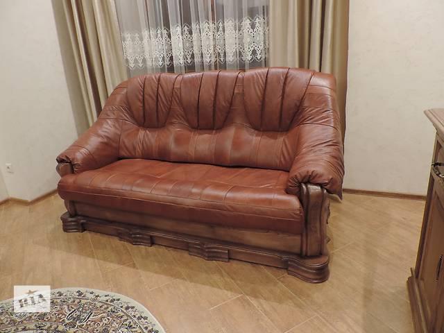 купить бу Кожаная мебель на дубе, кожаный диван + 2 кресла Boss в Дрогобыче
