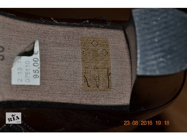 продам кожаные ботинки бу в Овруче