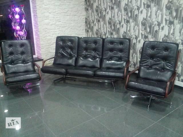 продам кожаные диван и кресла бу в Измаиле
