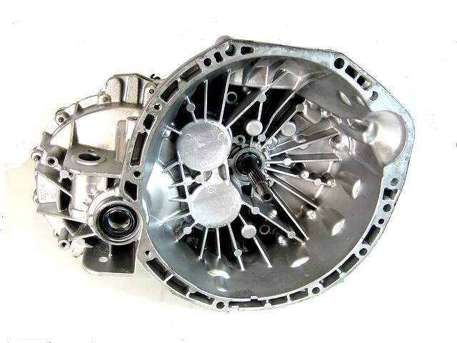 купить бу КПП Коробка передач механика 2.0 dci PF6022 Renault Trafic Рено Трафик 01-11гг в Ровно