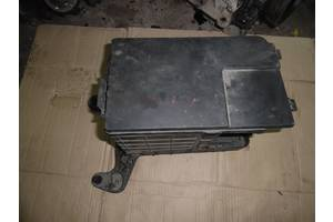 б/у Корпус под аккумулятор Volkswagen Caddy