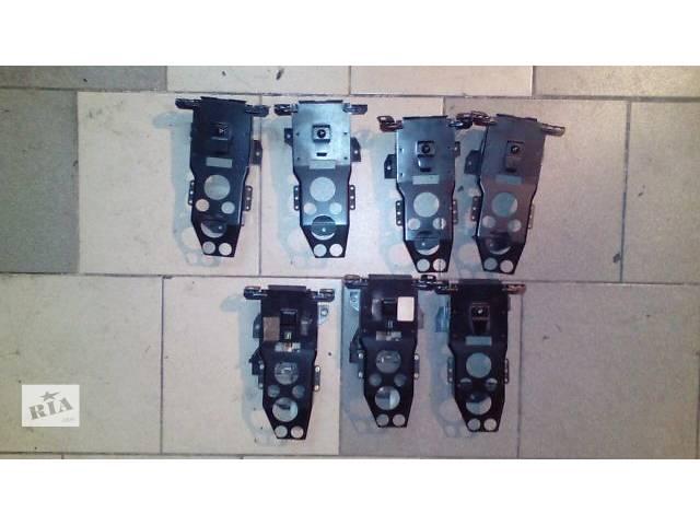 продам  Крепления подголовников задние BMW е32,е34,електро и обыкновенные бу в Киеве
