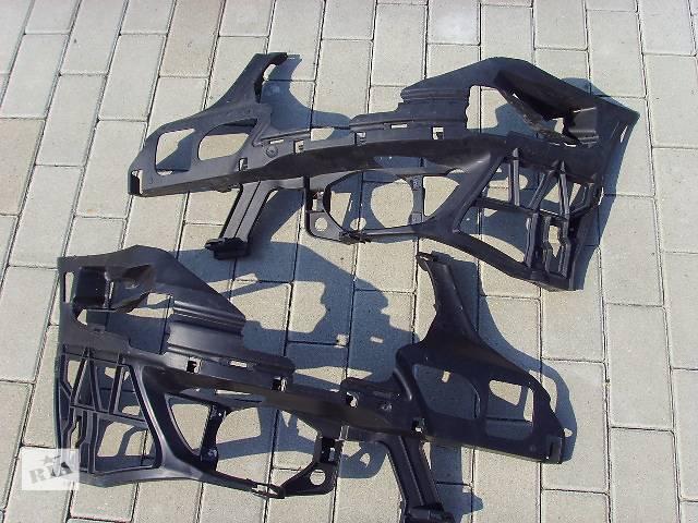 купить бу  Кронштейн бампера для легкового авто Mercedes E-Class 211                               E 212 в Ровно