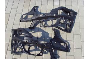Кронштейны бамперов Mercedes E-Class
