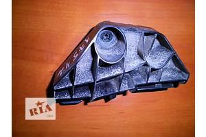 б/у Кронштейн бампера Toyota Corolla