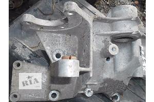 б/у Кронштейны Volkswagen B5