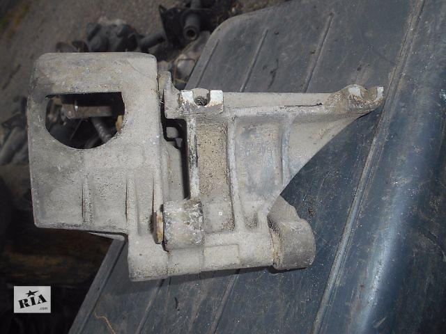 купить бу кронштейн гидроусилителя для Volkswagen Golf IIІ, 1.9tdi, 1993, 028145531D в Львове
