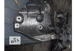 б/у Кронштейн Volkswagen Passat B5