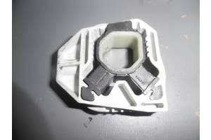 б/у Кронштейны крепления радиатора Volkswagen Caddy
