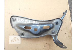 б/у Кронштейны крыл Skoda Octavia A5