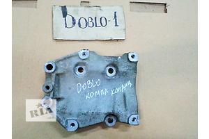 б/у Кронштейн Fiat Doblo