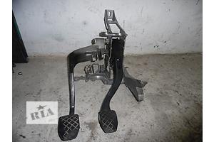 б/у Педаль тормоза Skoda SuperB