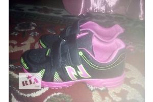 кросівки 35 розмір