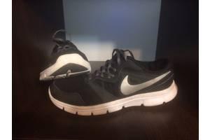 б/в Чоловічі кросівки Nike