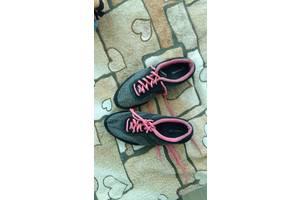 б/у Женская обувь Bershka