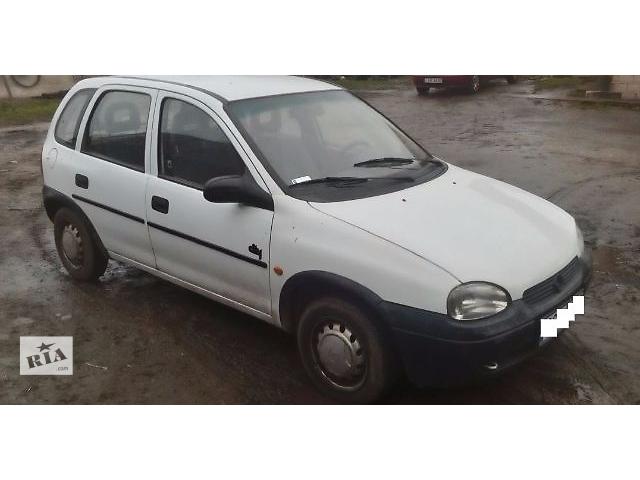 купить бу Крыло переднее для Opel Corsa 1998 в Львове