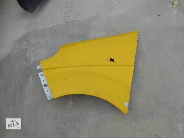 купить бу Крыло переднее для Opel Vivaro в Львове