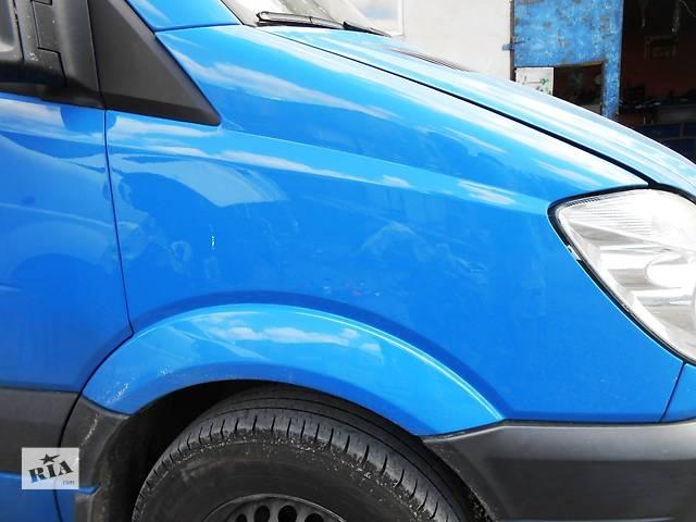 купить бу Крыло переднее, крило переднє Mercedes Sprinter 906, 903 (215, 313, 315, 415, 218, 318, 418, 518) 1996-2012 гг в Ровно