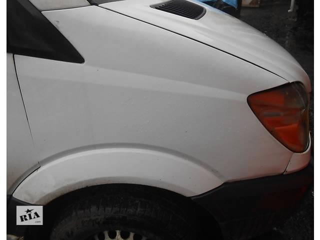 купить бу Крыло переднее правое левое Mercedes Sprinter 906 903 ( 2.2 3.0 CDi) 215, 313, 315, 415, 218, 318 (2000-12р) в Ровно
