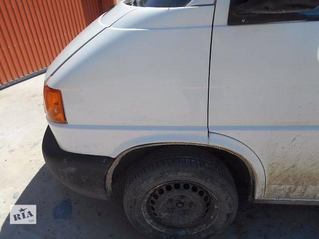 купить бу Крыло переднее для Volkswagen T4 (Transporter) 1998 в Львове