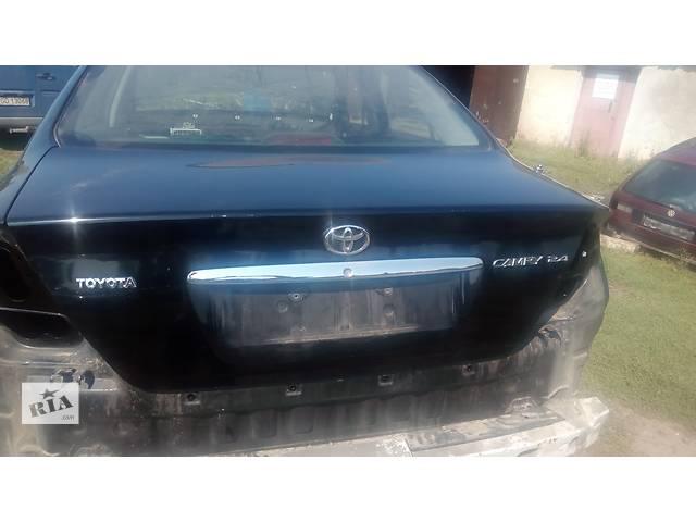 бу крышка багажника для седана Toyota Camry 30 2002-05 в Львове