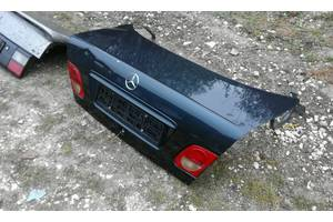 Крышки багажника Mercedes 210