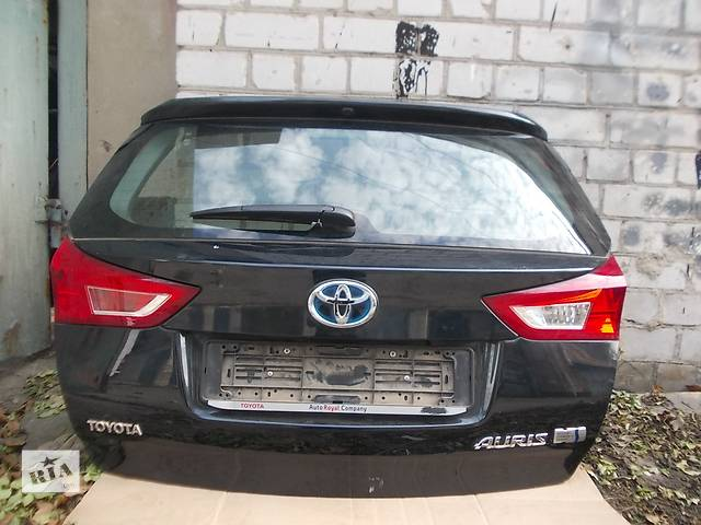 Крышка багажника  Toyota Auris 12-15 г. Б/у в отл. состоянии. в сборе.- объявление о продаже  в Днепре (Днепропетровске)