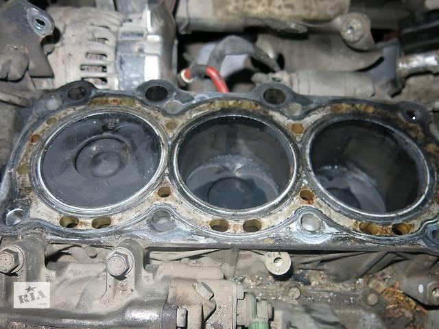 купить бу  крышка клапанная двигателя y30dt Opel Vectra c в Житомире