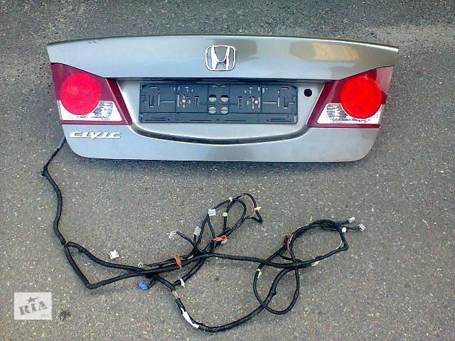 купить бу Крышка багажника Honda civic 4d оригинал б / у в Киеве