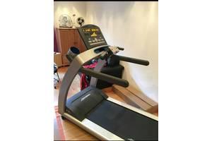 б/у Беговые дорожки Life Fitness