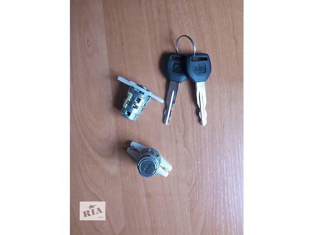 продам Личинки (сердцевины) дверных замков Хонда Аккорд / HONDA ACCORD 93-95 бу в Львове