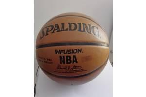 б/у Баскетбольные мячи Spalding
