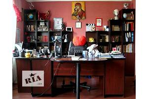 Мебель для кабинета б/у Стол в кабинет с тумбами, Книжный стелаж