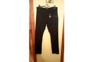 Новые Мужские джинсы Reserved