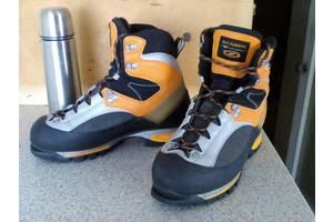 б/у Чоловічі черевики і напівчеревики