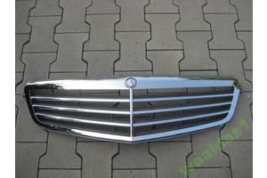 Решётка радиатора Mercedes C-Class