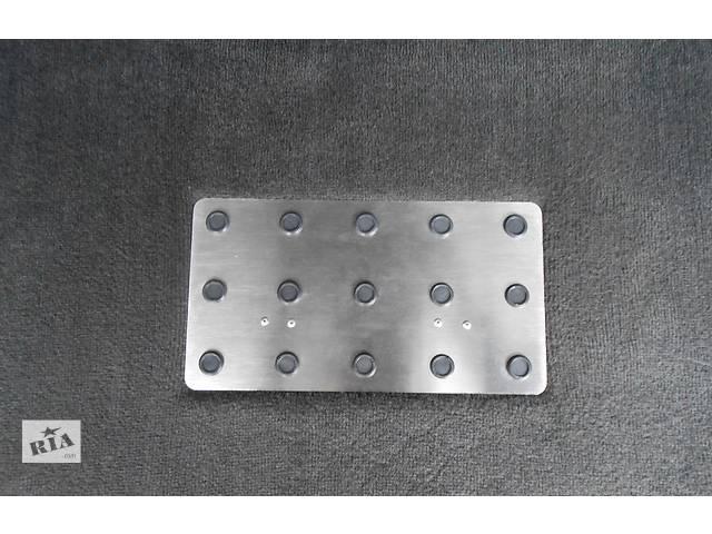 продам Merceds ML W163 Заглушка в пол багажника (съёмная) бу в Полтаве